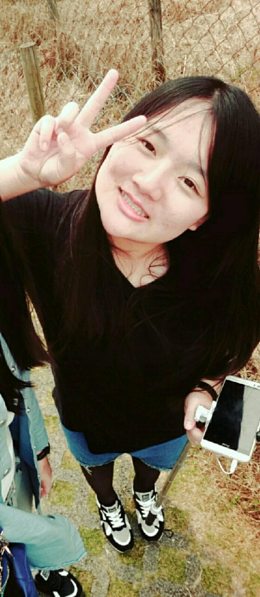 陳昀靚照片